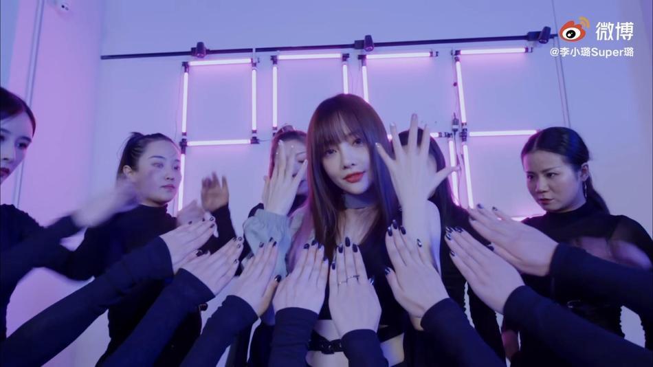 Người đẹp cắm sừng Lý Tiểu Lộ bị chỉ trích mặt dày khi tung MV tái xuất showbiz-1