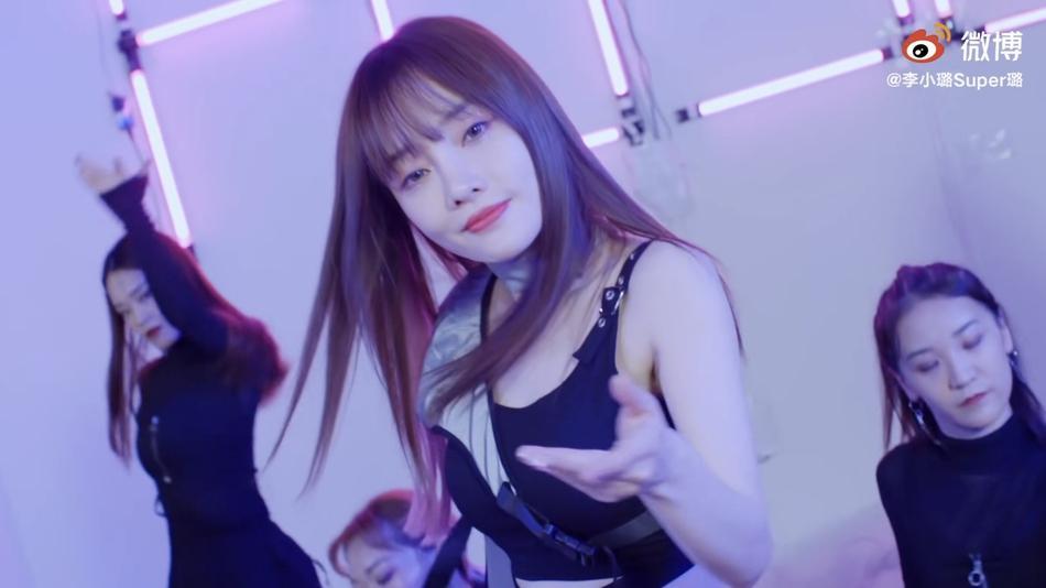 Người đẹp cắm sừng Lý Tiểu Lộ bị chỉ trích mặt dày khi tung MV tái xuất showbiz-3