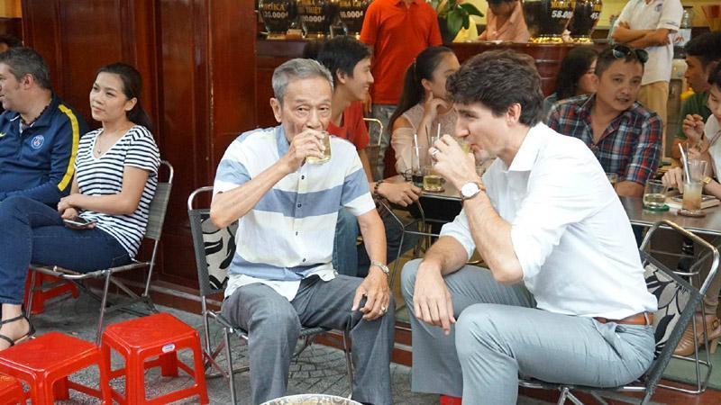 Khi các Nguyên thủ Thế giới cũng đam mê món ăn đường phố Việt Nam-2