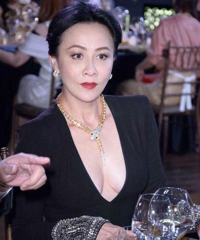 Minh tinh hạng A dùng thế thân đóng cảnh nóng: Lưu Diệc Phi gây tranh cãi nhất!-11