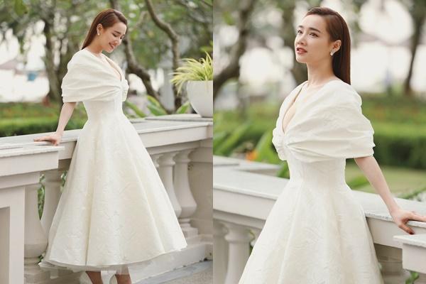 Nhã Phương đẹp lấn lướt cô dâu khi đi dự đám cưới-4
