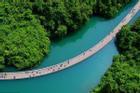Cầu nổi trên mặt nước ở Trung Quốc