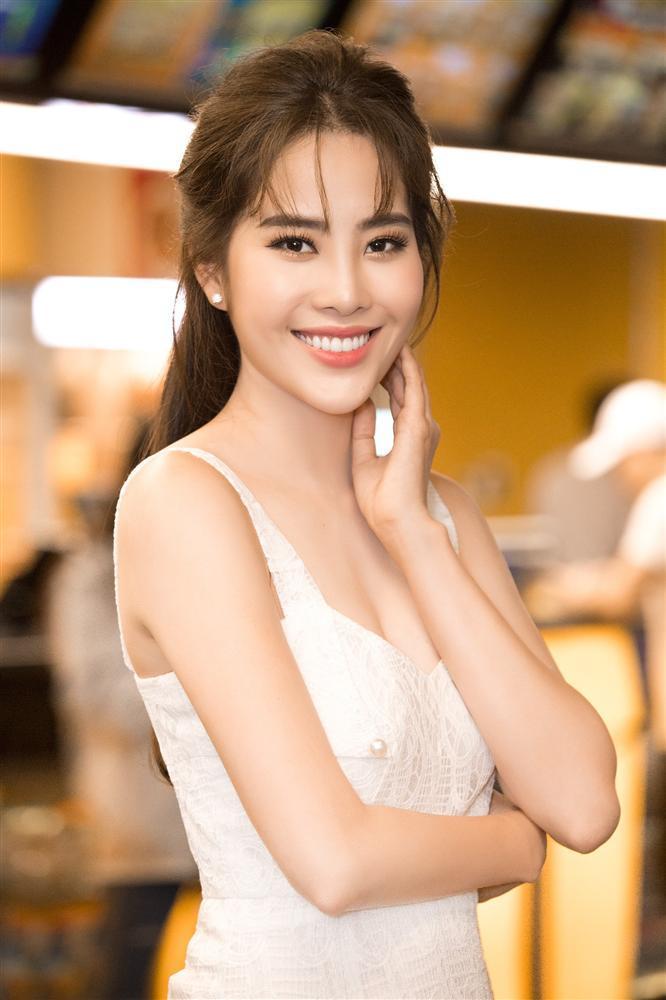 Hoa khôi thị phi lại thi sắc đẹp, quyết kế nhiệm Khánh Vân?-2