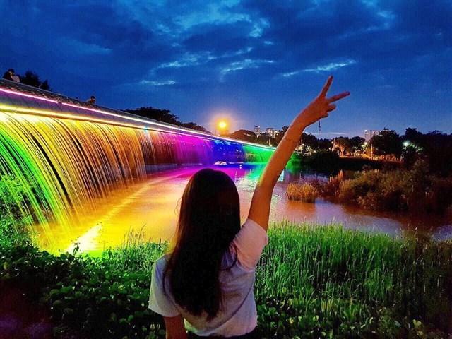 Có ngay 7749 kiểu ảnh sống ảo tại những cây cầu nổi tiếng nhất Sài Gòn-6