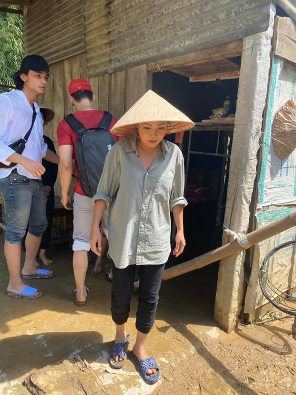 Ca sĩ Phương Thanh xin lỗi người dân Quảng Ngãi-1