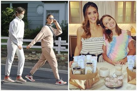 'Thiên thần bóng tối' Jessica Alba gần 40 mà đi với con gái 12 tuổi nhìn như chị em, mẹ con diện đồ đôi dạo phố