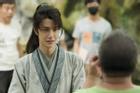 Vương Nhất Bác bị vạch trần nghỉ phép quá nhiều trong quá trình quay phim