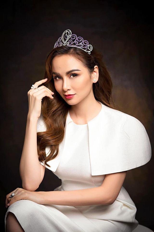 Hoa hậu Diễm Hương treo status trầm cảm lúc nửa đêm-1