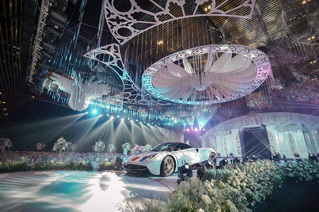 Không gian tiệc cưới siêu đắt đỏ của Công Phượng và con gái giám đốc ngân hàng-5