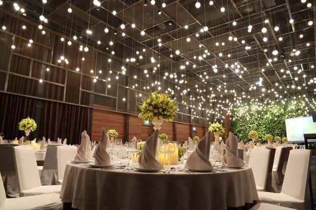 Không gian tiệc cưới siêu đắt đỏ của Công Phượng và con gái giám đốc ngân hàng-2