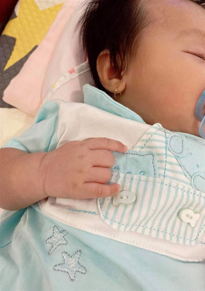 Ngoại hình con gái Cường Đô La khi tròn 3 tháng tuổi-3