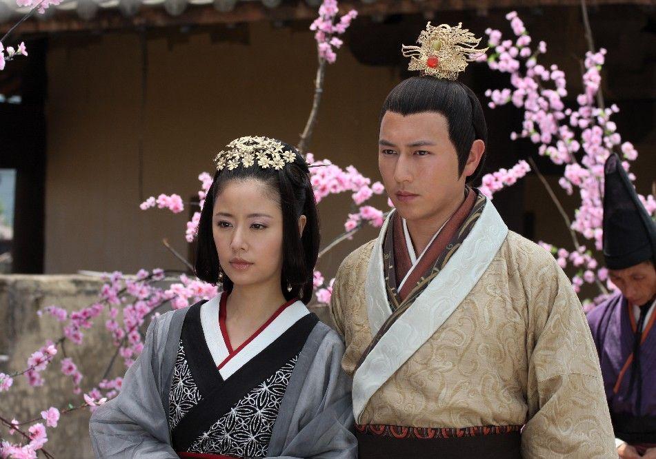 Người tình màn ảnh của Lâm Tâm Như từng muốn tự tử vì bệnh hiểm nghèo bây giờ ra sao?-2