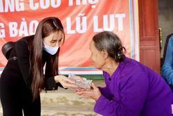 Thủy Tiên thông báo: Không đủ tiền nên giảm nhà chống lũ để giúp được nhiều dân