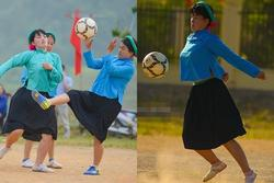 Chùm ảnh các thiếu nữ vùng núi mặc váy đá bóng gây bão khắp cõi mạng