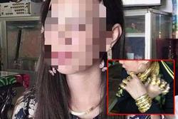 Người phụ nữ đeo 13 cây vàng trước khi tìm thấy xác trong nhà hoang ở Cà Mau
