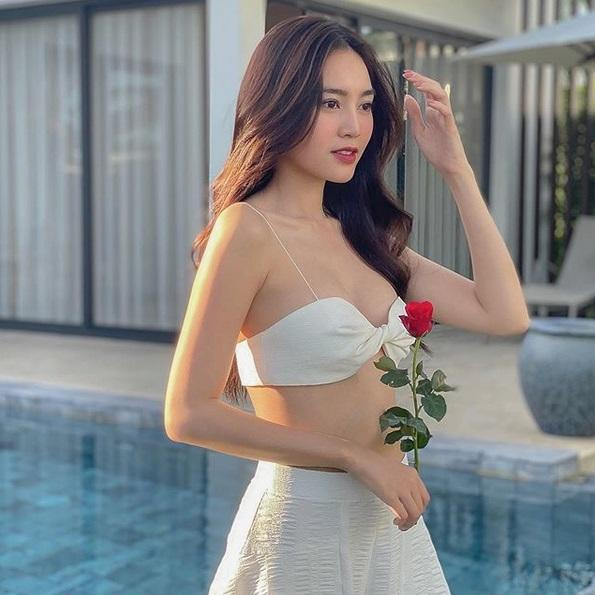 Ninh Dương Lan Ngọc diện áo bra ngắn cũn không bằng 1 gang tay-4