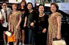 Thông gia nhà Trấn Thành - Hari Won được khen giống nhau như chị em ruột