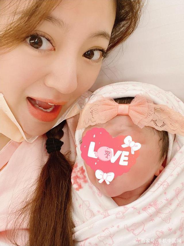 Thăm con gái An Dĩ Hiên, Trần Kiều Ân bị chất vấn chuyện cưới xin-3