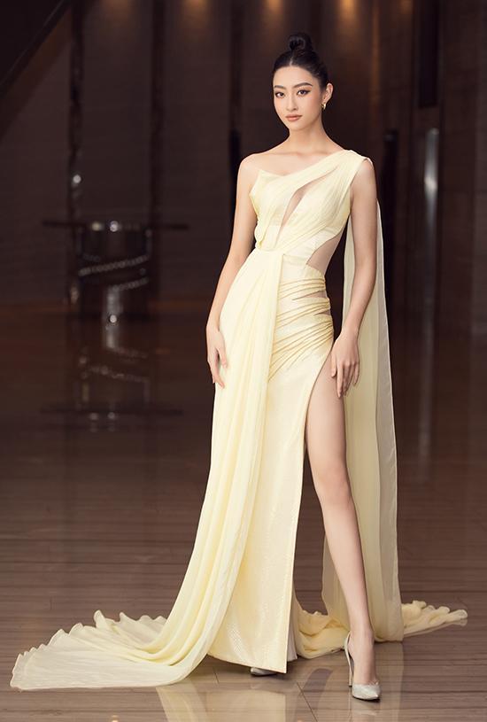 Thủy Tiên đơn giản mà sang - Đỗ Mỹ Linh có 3 bộ cánh lọt top sao mặc đẹp-4
