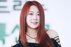 Nữ thần tượng xứ Hàn gặp tai nạn xe liên hoàn