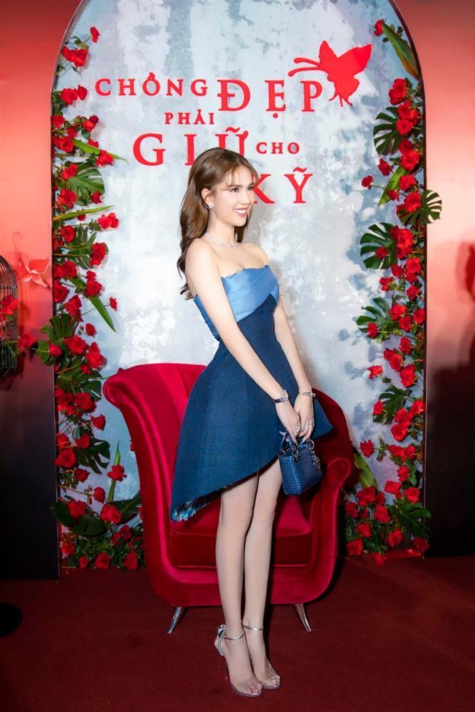Ngọc Trinh và Ngọc Lan nổi bật giữa dàn khách mời đỏ đen vì mặc sai dresscode-2