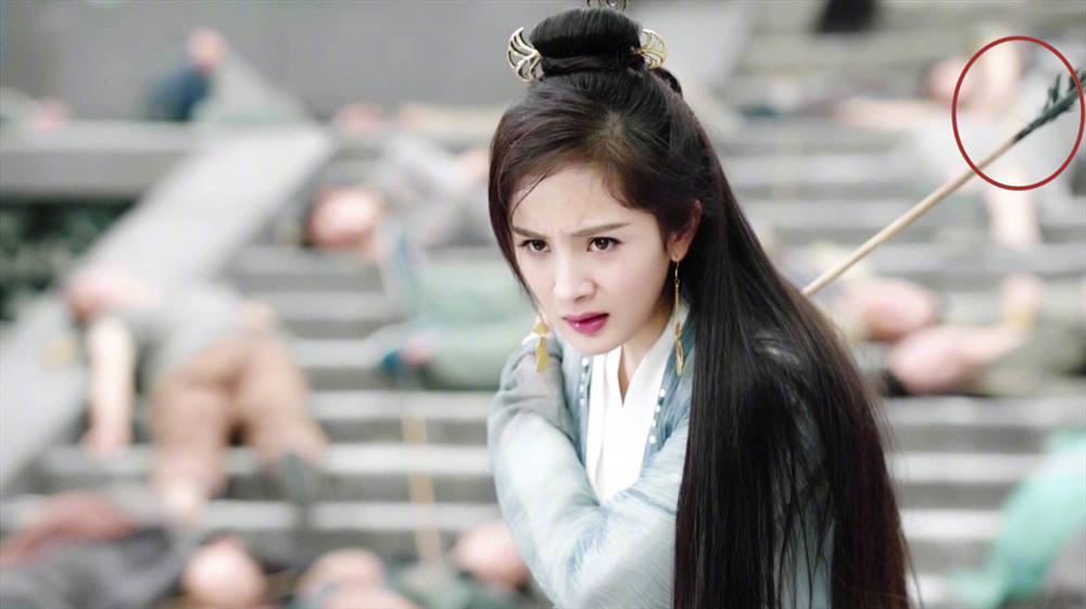 Những cảnh đâm chém đầy giả trân trên màn ảnh cổ trang Hoa ngữ-7