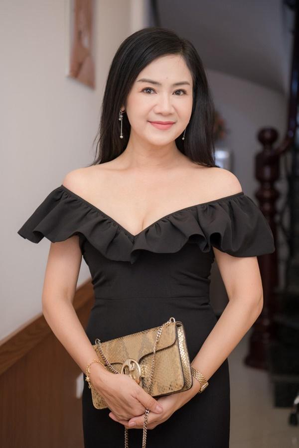Nhan sắc trẻ mãi không già của người đẹp vào vai mẹ Hồng Diễm và Quỳnh Kool-8