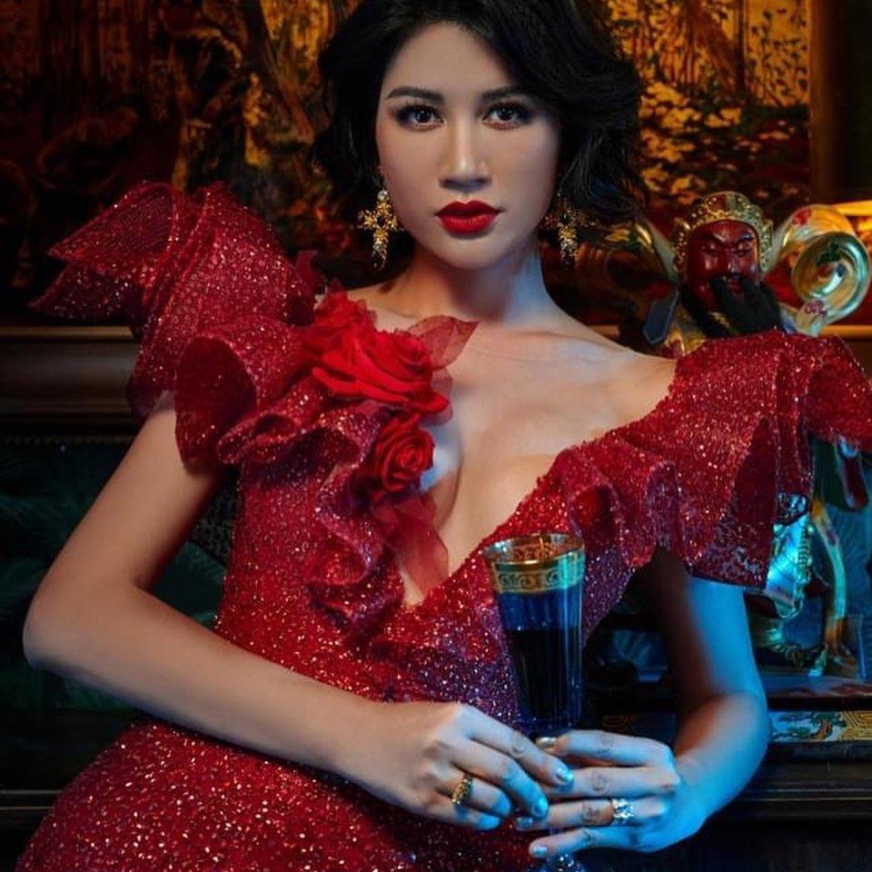 Khoe body cực sexy, Trang Trần để lộ tiểu xảo khó đỡ-1