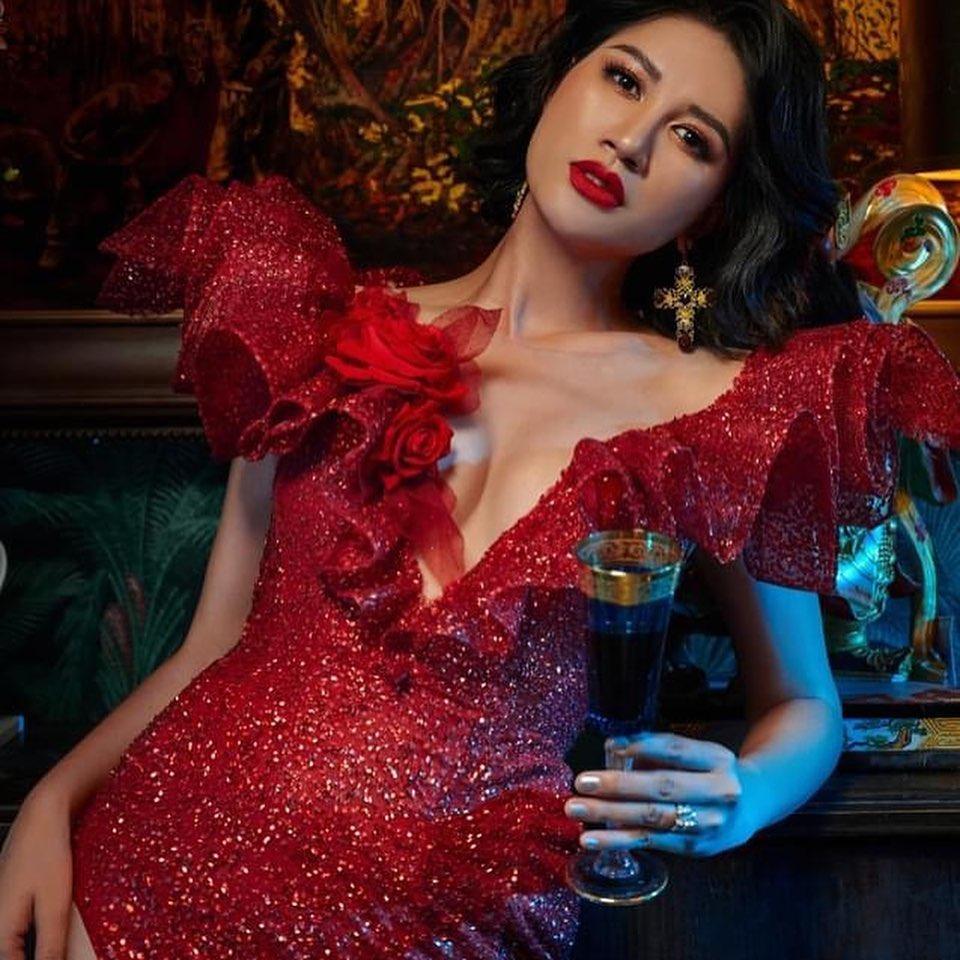 Khoe body cực sexy, Trang Trần để lộ tiểu xảo khó đỡ-2