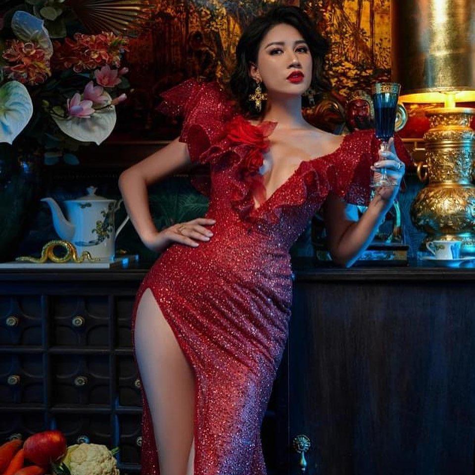 Khoe body cực sexy, Trang Trần để lộ tiểu xảo khó đỡ-4