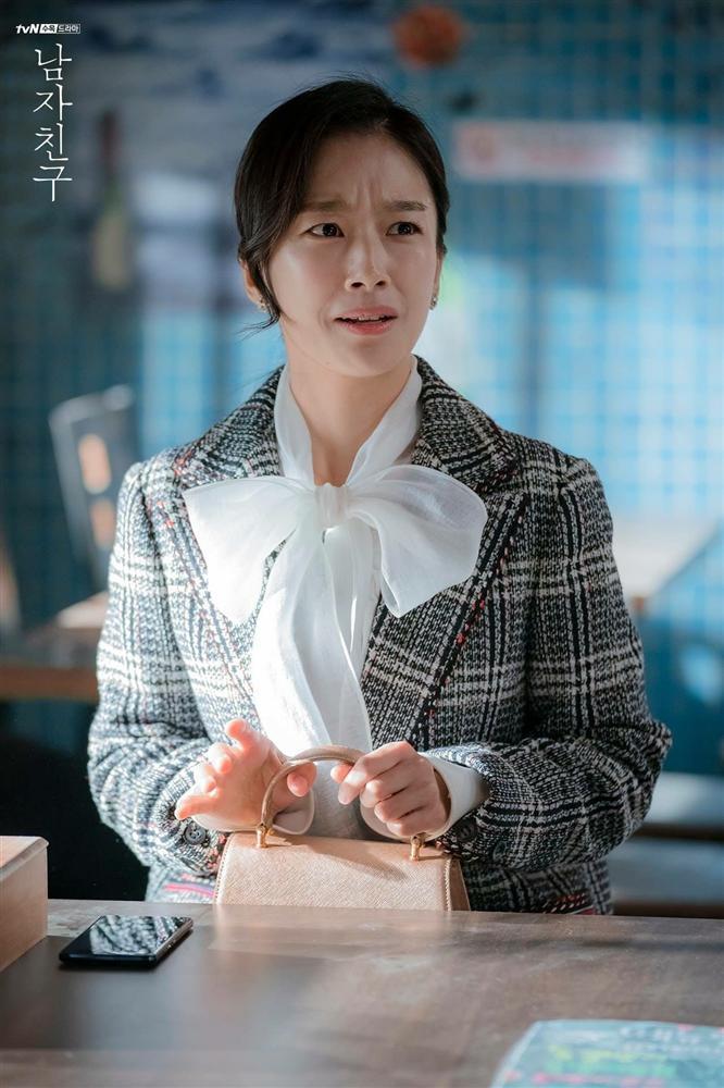 3 chiêu diện blazer giúp nâng cấp vẻ sành điệu được lăng xê ác liệt nhất trong phim Hàn-3