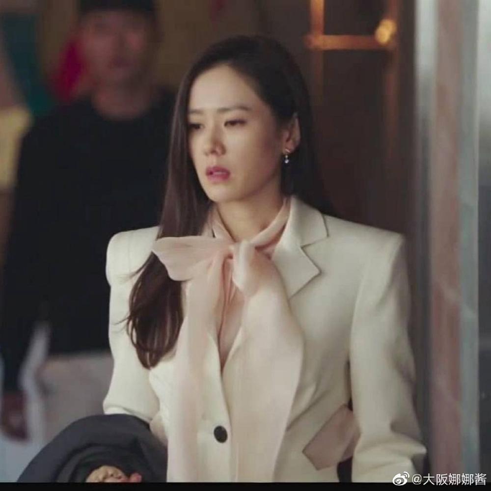 3 chiêu diện blazer giúp nâng cấp vẻ sành điệu được lăng xê ác liệt nhất trong phim Hàn-4
