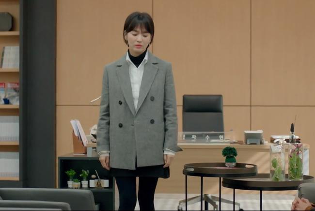 3 chiêu diện blazer giúp nâng cấp vẻ sành điệu được lăng xê ác liệt nhất trong phim Hàn-5