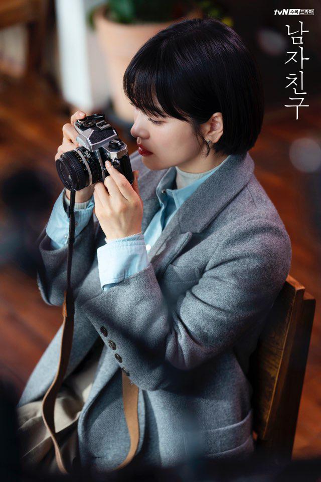 3 chiêu diện blazer giúp nâng cấp vẻ sành điệu được lăng xê ác liệt nhất trong phim Hàn-6