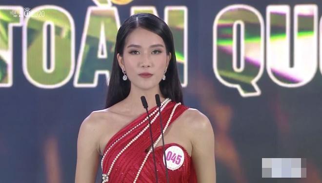 So kè mặt mộc và phong cách đời thường của Top 3 Hoa hậu Việt Nam 2020-8