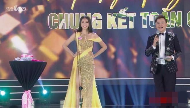 So kè mặt mộc và phong cách đời thường của Top 3 Hoa hậu Việt Nam 2020-14