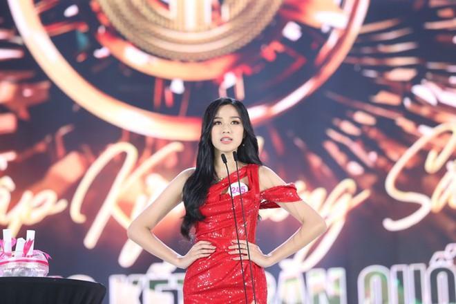 So kè mặt mộc và phong cách đời thường của Top 3 Hoa hậu Việt Nam 2020-2