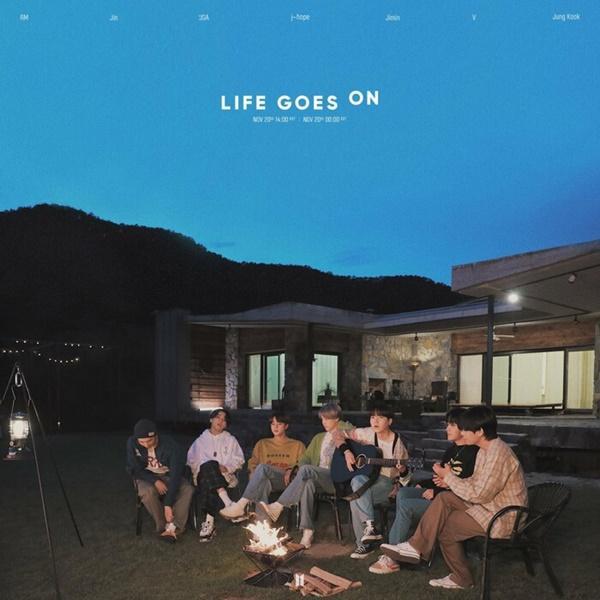 Life Goes On kéo dài thành tích khủng dù vẫn bị Dynamite bỏ xa cả cây số-1