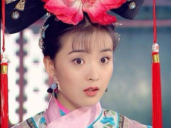 Kinh ngạc nhan sắc của Tình Nhi cách cách Vương Diễm tuổi 46, trông như a hoàn trên phim trường-4
