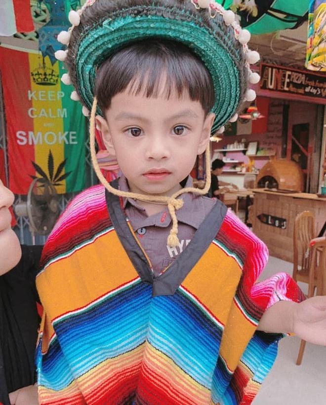 Cậu bé Thái Lan được khen đẹp từ lúc chào đời giờ ra sao?-8