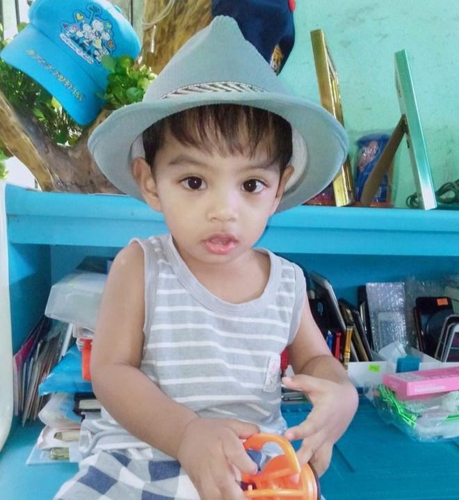 Cậu bé Thái Lan được khen đẹp từ lúc chào đời giờ ra sao?-10