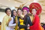 Đặng Thu Thảo gây ngỡ ngàng khi đội thử vương miện Hoa hậu Thế giới-7