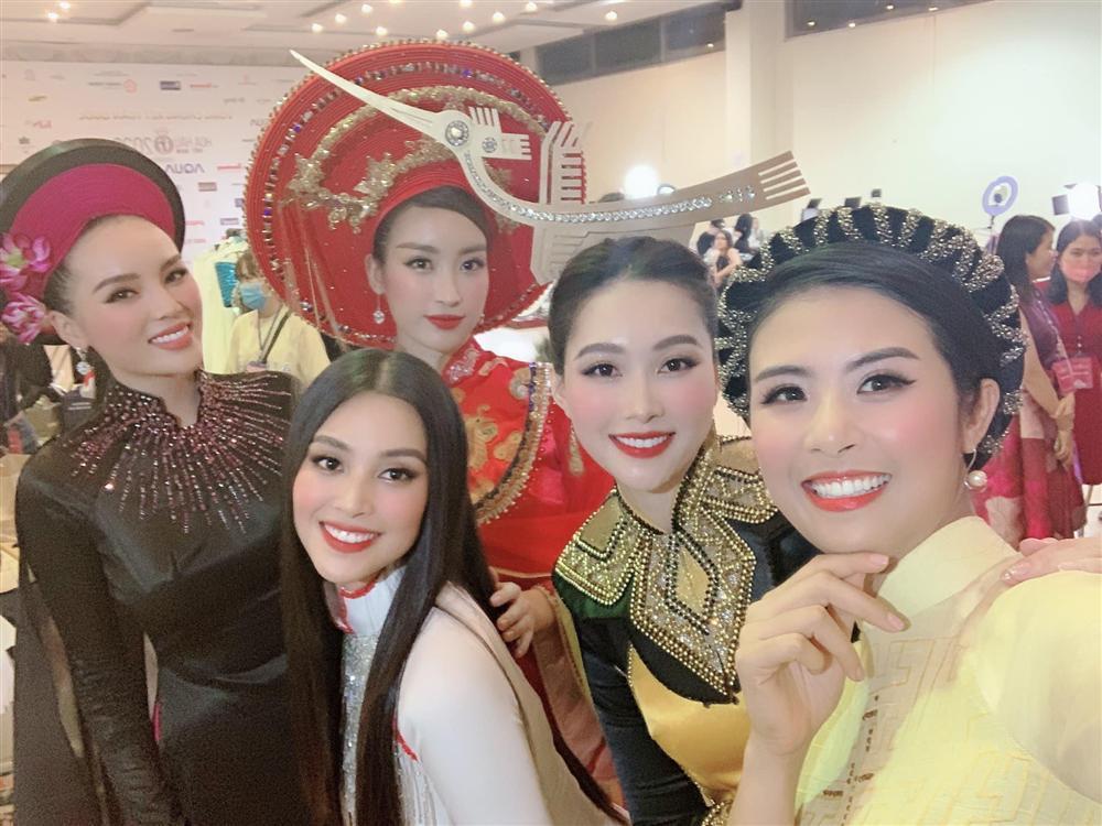 Đặng Thu Thảo mất danh hiệu Hoa hậu của các hoa hậu vào tay Tiểu Vy?-1
