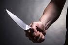 Cháu gái rủ bạn trai quen qua mạng về nhà đe dọa, cướp vàng của bà