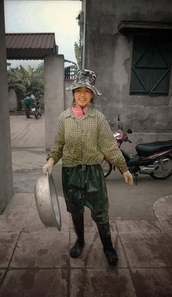 Ảnh đi làm nông giúp gia đình của Hoa hậu Đỗ Thị Hà-1