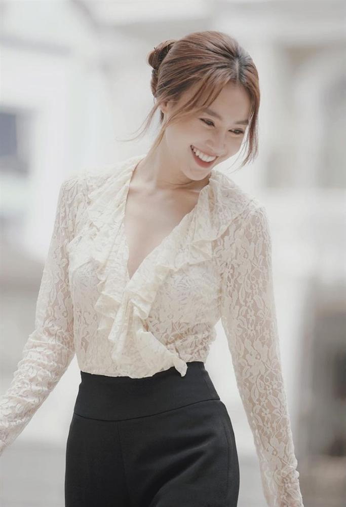 Ninh Dương Lan Ngọc diện đồ sexy lịm tim mà vẫn rất tinh tế, được lòng người là nhờ dăm ba tips-4