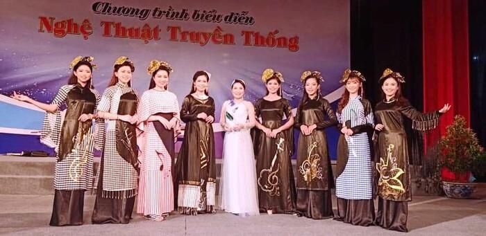 Áo dài trong chung kết Hoa hậu Việt Nam 2020 bị tố đạo nhái ý tưởng-9