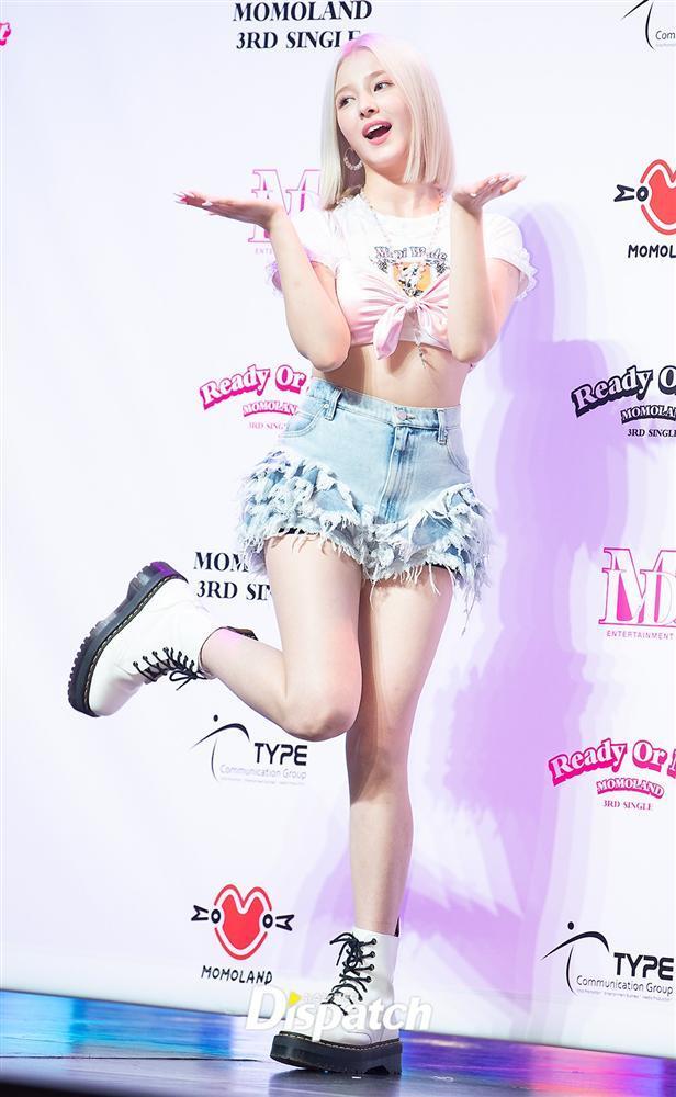 Style sao Hàn tuần qua: Jisoo BLACKPINK đẹp đẳng cấp không kém hoa hậu Kim Sarang-7
