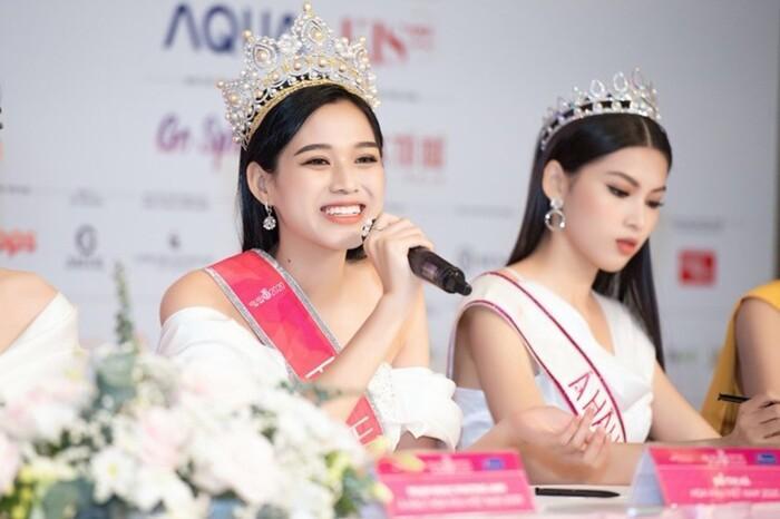 Tân Hoa hậu Đỗ Thị Hà bị soi hàm răng kém xinh giống Đỗ Mỹ Linh ngày mới đăng quang-1