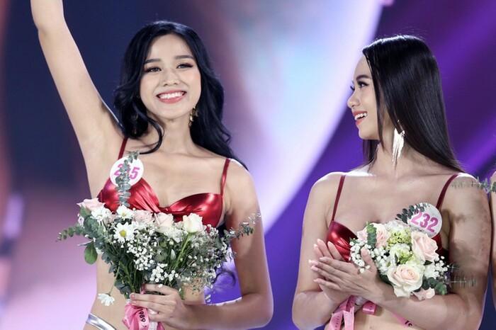 Tân Hoa hậu Đỗ Thị Hà bị soi hàm răng kém xinh giống Đỗ Mỹ Linh ngày mới đăng quang-2